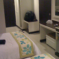 Decent hotel room in Bangkok 1500 Baht