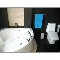 2 bed 2.5 bath with jacuzzi Chalong