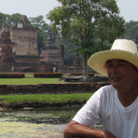 Neale at temples in Sukho Thai